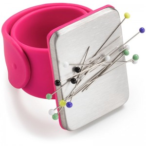 Игольница на руку магнитная розового цвета Prym 610283 фото 1